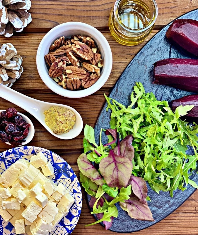 Beetroot and arugula salad ingredients