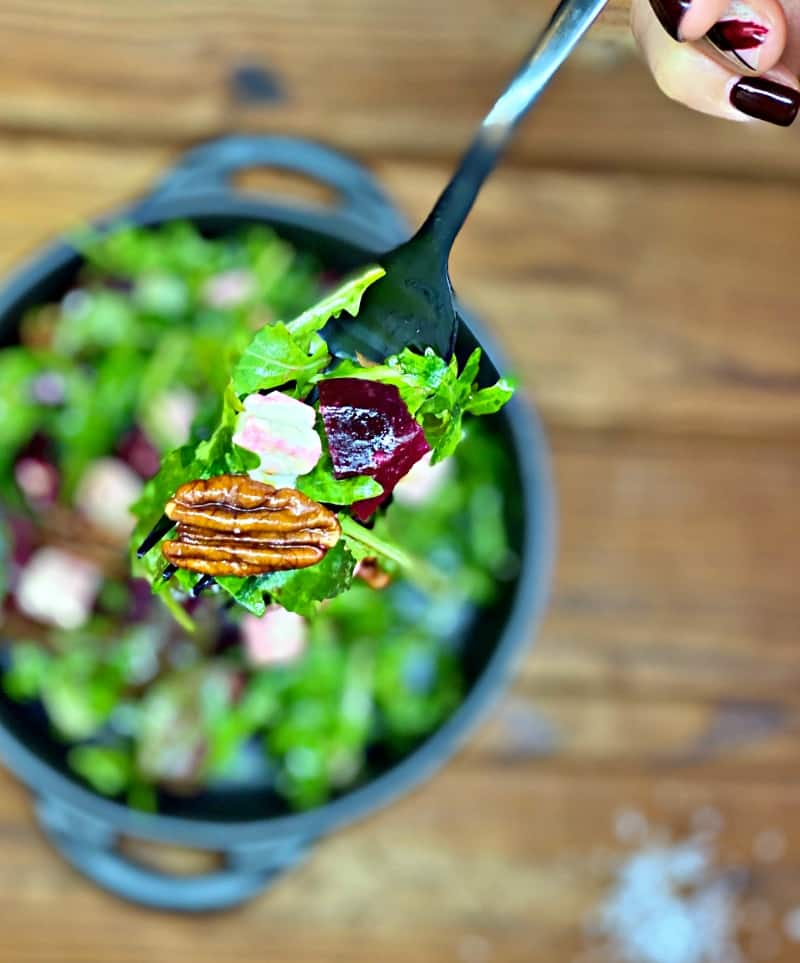 delicious beetroot and arugula salad