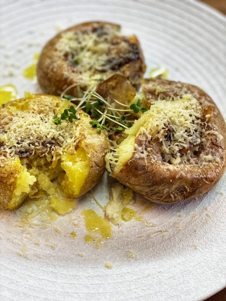 smashed potatoes with garlic sauce