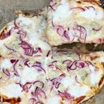 how to make oion&gorgonzola pizza